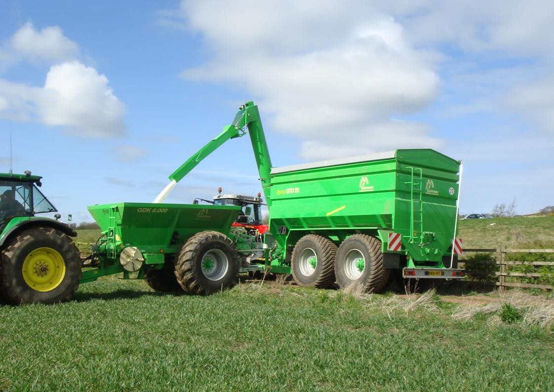 Ryetec Gustrower grain chaser bin filling lime fertiliser spreader with urea