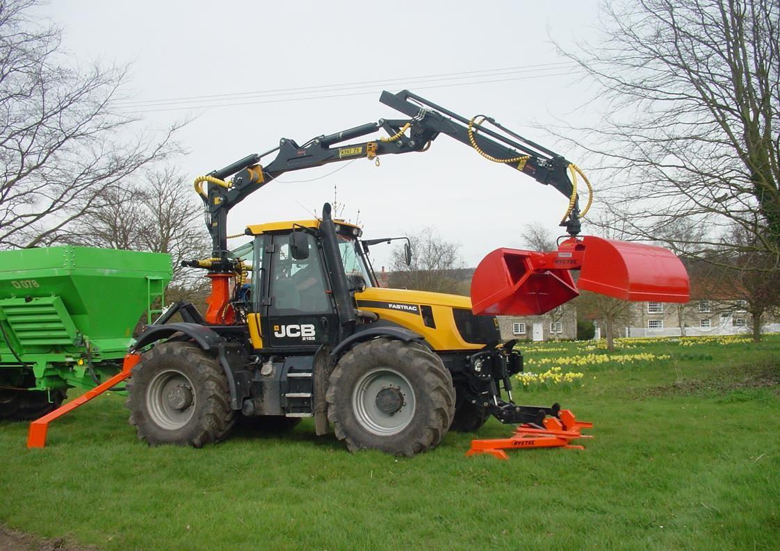 Ryetec KTS timber forestry crane on JCB Fastrac